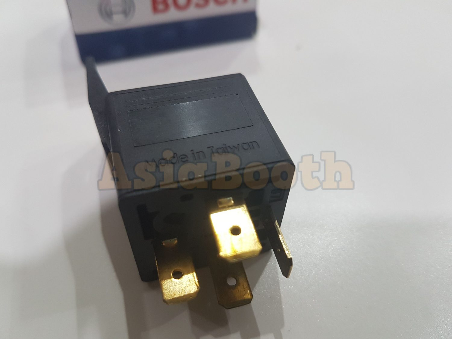 Bosch Relay 4 Pin 12v 30a Asia Booth Universal 0986ah0453 Side View